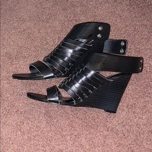 Size 7 Kendall and Kylie heel shoes